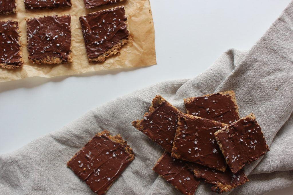 Kerneknækbrød med surdejsrester og mørk chokolade 7